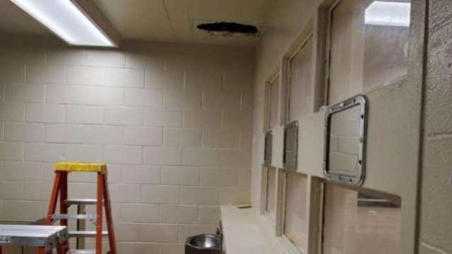 """美国越狱技巧又""""升级"""":没地洞也不破墙,比经典美剧还有想象力"""