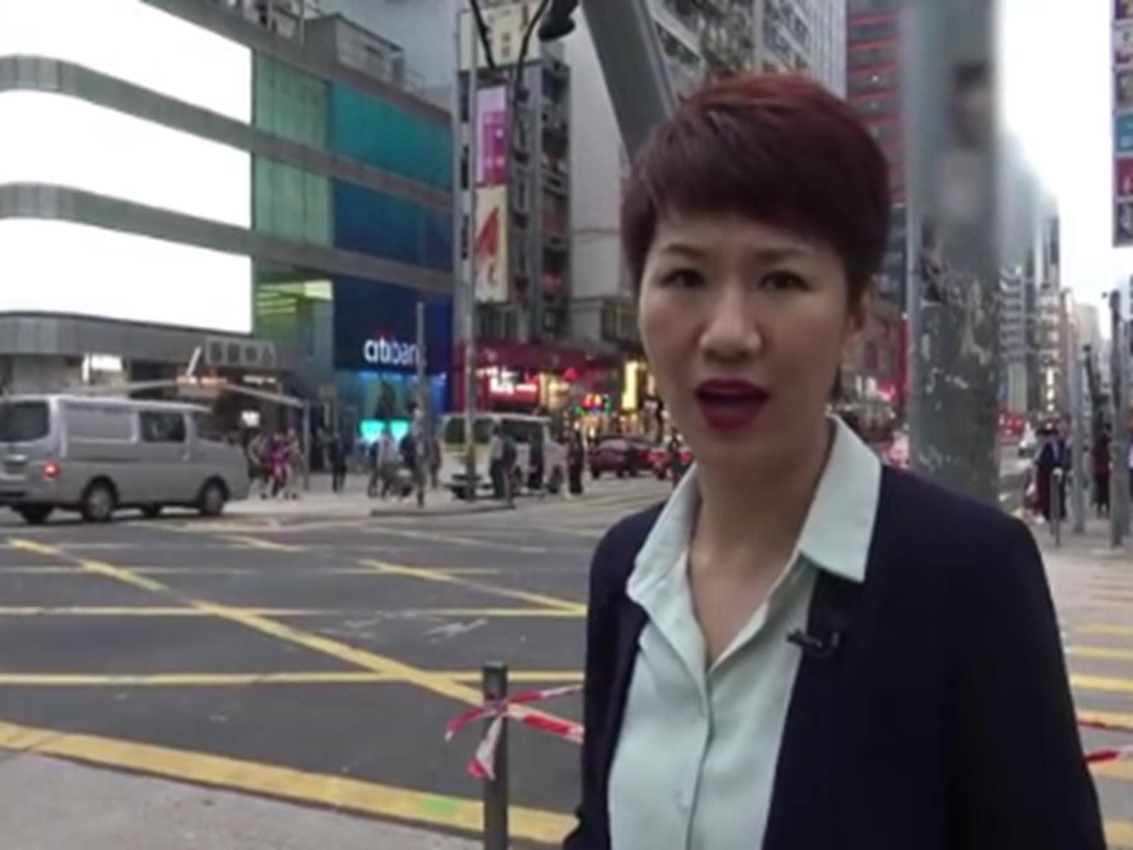央视女主播刘欣现身香港街头 大发感慨(组图)