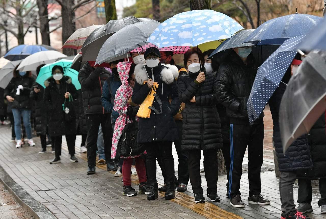 机票涨10倍,韩国人抢着去中国避疫(组图)