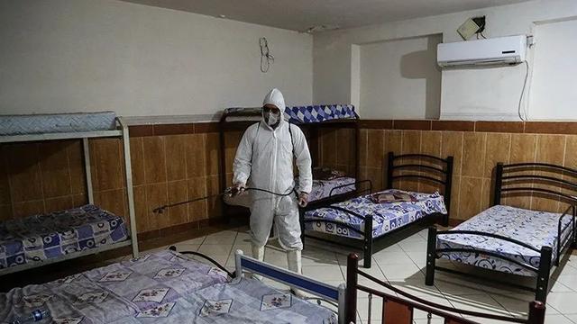 一日新增确诊千例:被疫情困住的伊朗(组图)