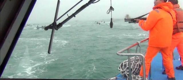 又开枪了!台当局指大陆渔船越界 开11枪驱离(组图)