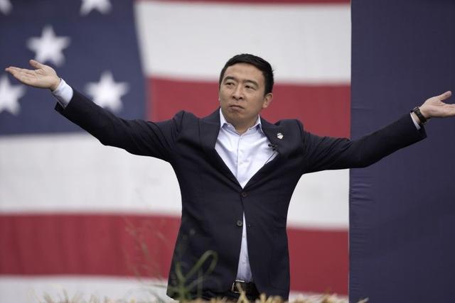 发钱方案被白宫采纳后,杨安泽电话被打爆(图)