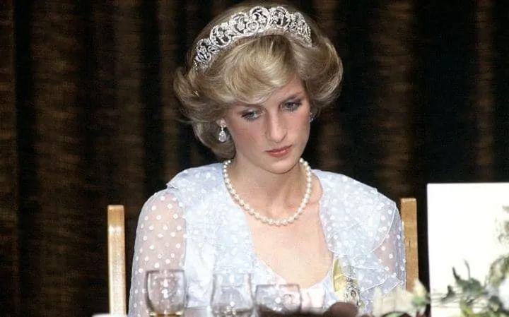 """""""最美王妃""""戴安娜惊世离婚始末:完美只存在于童话"""