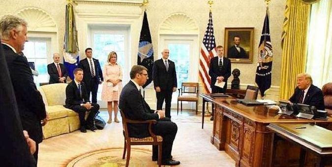 普京向塞尔维亚总统武契奇道歉