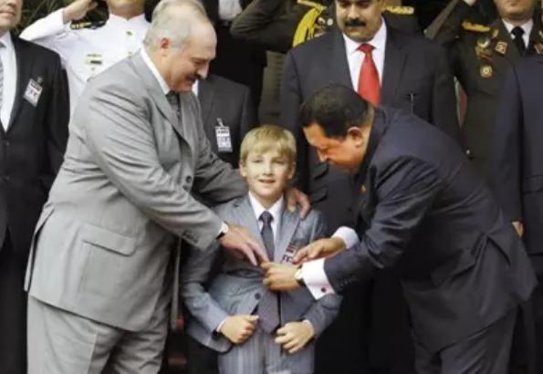 """父亲是总统,6岁出道的""""政坛童星"""",如今想做普通人?"""