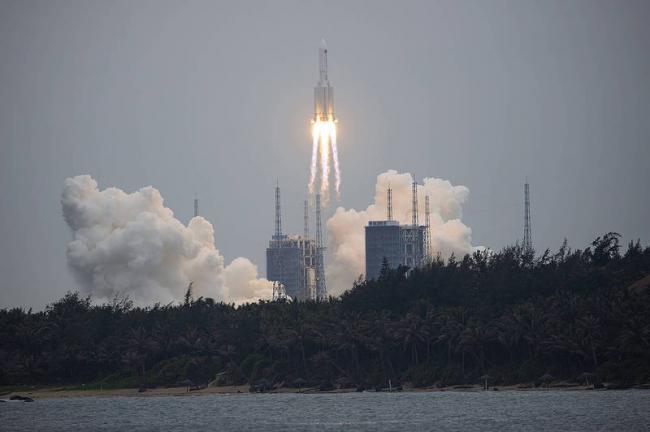 中国长征火箭失控坠落中 坠落地点无法预测