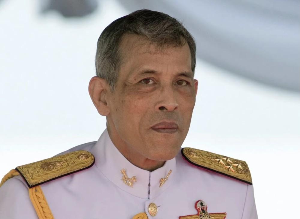 泰国王又有新欢?68岁将再做爸爸 儿子提帮功阴影大