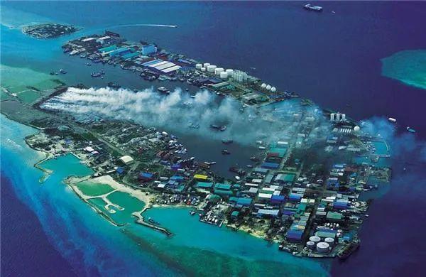 """真实的马尔代夫:一半宛如天堂,一半却是""""人间地狱"""""""