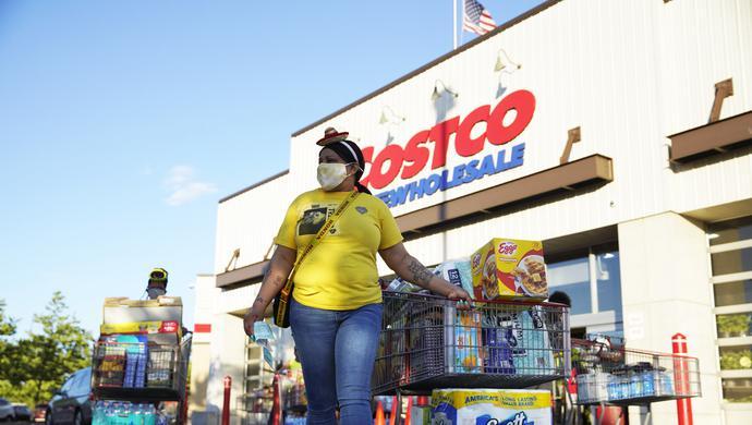 从手纸蔬果到汽油…美国到处都涨价 消费者手头有点紧
