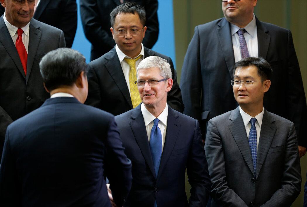 一方步步紧逼 一方步步退让 苹果向北京交出数据