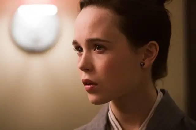 20岁入围奥斯卡影后,诺兰的宠儿,她选择成为一个男人