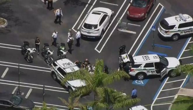 佛罗里达发生枪击事件 包括枪手在内3人死亡