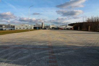 Foto: Ještě větší parkoviště pro Weru