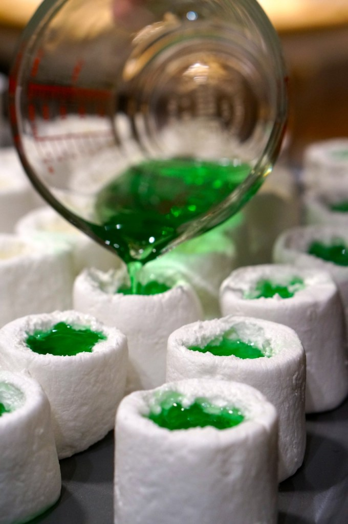 how-to-make-jello-shots-in-marshmallows