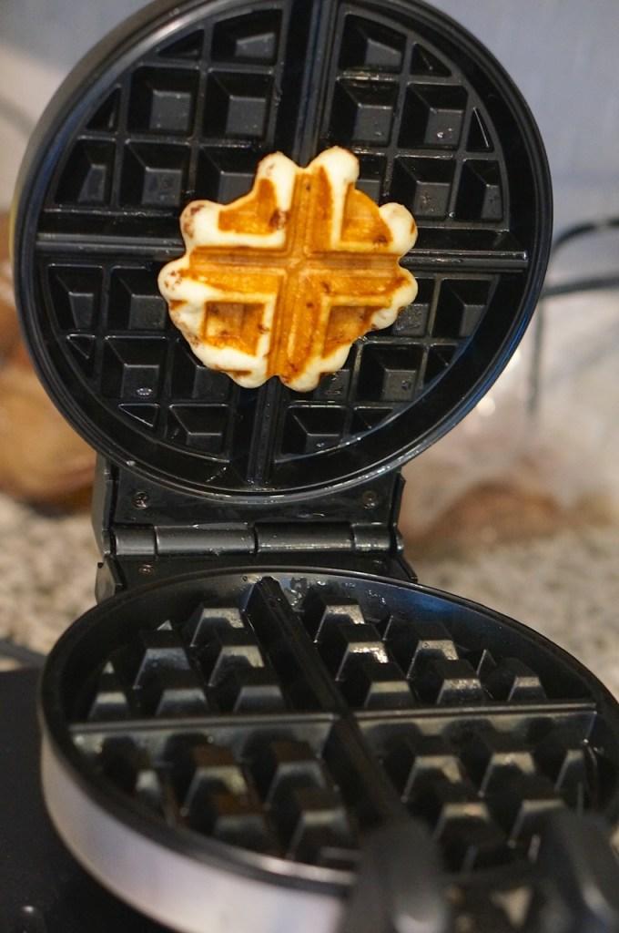 cinnamon-bun-waffle