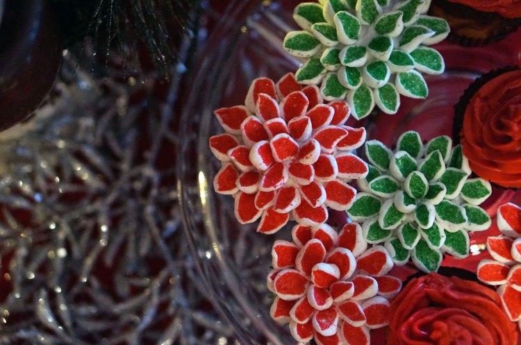 christmas-flower-cupcakes