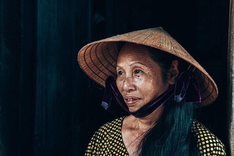 Ontmoet locals in Hoi An, praat met ze of koop een leuk item dat je kunt gebruiken
