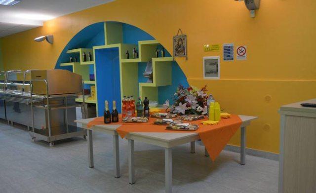 """L'interno della mensa """"Ristoro Betania"""""""