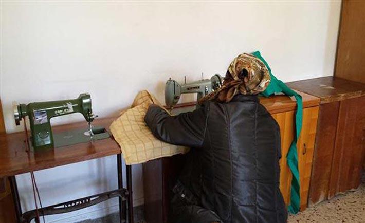 """""""Le ragazze di Benin City"""" lavorano su tessuti riciclati"""