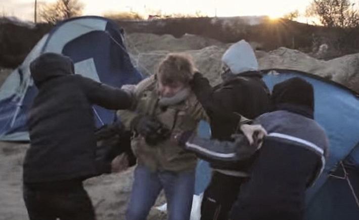 Giornalisti aggrediti a Calais