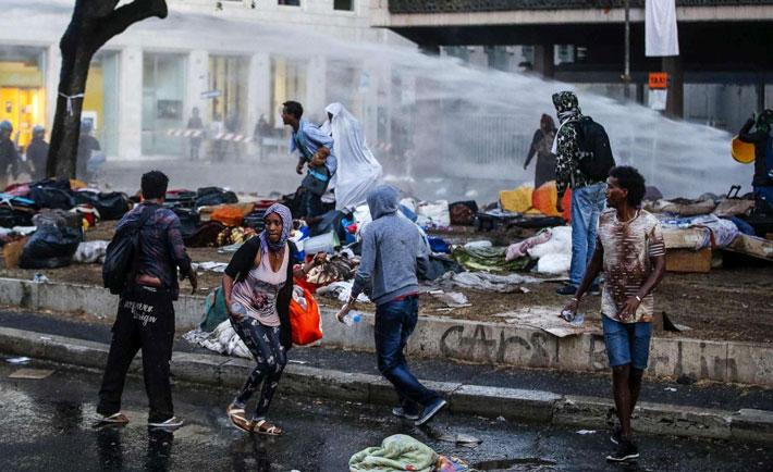 Lo sgombero dei migranti a Roma