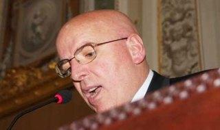 Mario Oliverio indagato peculato