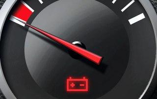Batterieanzeige im roten Bereich