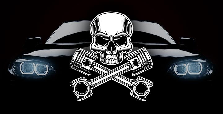 Illustration Produktpiraterie – Schwarzes Auto auf schwarzem Hintergrund, davor weißer Schädel mit gekreuzten Motorkolben.