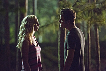 """The Vampire Diaries -- """"Welcome to Paradise"""" -- Image Number: VD603b_0101.jpg -- Pictured (L-R): Candice Accola as Caroline and Paul Wesley as Stefan -- Photo: Bob Mahoney/The CW -- �© 2014 The CW Network, LLC. All rights reserved."""
