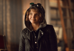 "GOTHAM: Selina Kyle (Camren Bicondova) visits Wayne Manor in the ""Harvey Dent"" episode of GOTHAM airing Monday, Nov. 17 (8:00-9:00 PM ET/PT) on FOX. ©2014 Fox Broadcasting Co. Cr: Jessica Miglio/FOX"