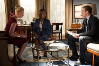 "STATE OF AFFAIRS -- ""Secrets & Lies"" Episode 102 -- Pictured: (l-r) Katherine Heigl as Charleston Tucker, Alfre Woodard as President Constance Payton, David Harbour as Chief of Staff David Patrick -- (Photo by: Neil Jacobs/NBC)"