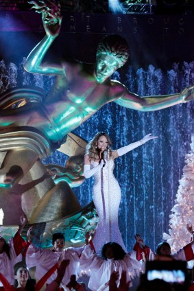 "CHRISTMAS IN ROCKEFELLER CENTER SPECIAL -- Pictured: Mariah Carey rehearses for ""Christmas in Rockefeller Center"" -- (Photo by: Giovanni Rufino/NBC)"