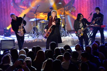 CHRISTMAS IN ROCKEFELLER CENTER SPECIAL -- Pictured: Goo Goo Dolls -- (Photo by: David Giesbrecht/NBC)