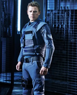 DOMINION -- Season:1 -- Pictured: Christopher Egan as Alex Lannon -- (Photo by: Gavin Bond/Syfy)