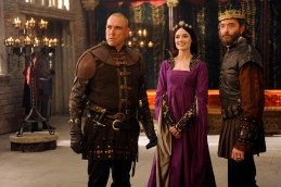 """GALAVANT - """"Dungeons and Dragon Lady"""" - While Galavant struggles with the realization about his true love, King Richard goes on a voyage of self-discovery, thanks to a potion from the magician, Xanax (guest star Ricky Gervais). As Galavant draws closer to the woman he really loves, an emboldened King Richard starts to assert himself, just as his meaner, elder brother returns-Kingsley (Rutger Hauer) on """"Galavant,"""" airing SUNDAY, JANUARY 18 (8:30-9:00 p.m., ET) on the ABC Television Network. (ABC/Daniel Liam) VINNIE JONES, MALLORY JANSEN, TIMOTHY OMUNDSON"""