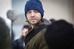 "12 MONKEYS -- ""Pilot"" Episode 101 -- Pictured: Aaron Stanford as Cole -- (Photo by: Alicia Gbur/Syfy)"