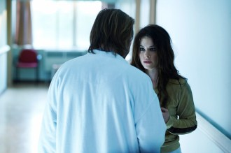 "12 MONKEYS -- ""Mentally Divergent"" Episode 102 -- Pictured: (l-r) Aaron Stanford as Cole, Emily Hampshire as Jennifer -- (Photo by: Ken Woroner/Syfy)"