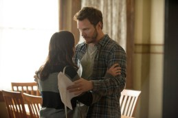 """PARKS AND RECREATION -- """"2017"""" Episode 701 -- Pictured: (l-r) Aubrey Plaza as April Ludgate, Chris Pratt as Andy Dwyer -- (Photo by: Colleen Hayes/NBC)"""