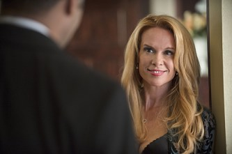 """The Flash -- """"The Nuclear Man"""" -- Image FLA113B_0264b -- Pictured: Chase Masterson as Sherry -- Photo: Cate Cameron/The CW -- © 2015 The CW Network, LLC. All rights reserved."""