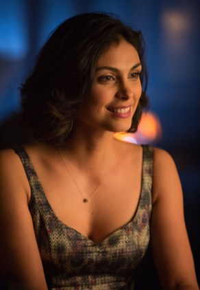 "GOTHAM: Morena Baccarin guest-stars as Dr. Leslie Thompkins in the ""The Fearsome Dr. Crane"" episode of GOTHAM airing Monday, Feb. 2 (8:00-9:00 PM ET/PT) on FOX. ©2015 Fox Broadcasting Co. Cr: Jessica Miglio/FOX"
