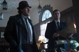"""GOTHAM: Detective James Gordon (Ben McKenzie, R) and Harvey Bullock (Donal Logue, L) set out to stop a biology teacher who has been harvesting the glands of his murder victims in the """"The Scarecrow"""" episode of GOTHAM airing Monday, Feb. 9 (8:00-9:00 PM ET/PT) on FOX. ©2015 Fox Broadcasting Co. Cr: Jessica Miglio/FOX"""