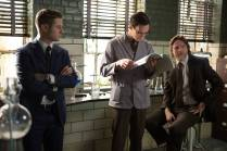 """GOTHAM: With the help of Edward Nygma (Cory Michael Smith, C), Detective James Gordon (Ben McKenzie, L) and Harvey Bullock (Donal Logue, R) set out to stop a biology teacher who has been harvesting the glands of his murder victims in the """"The Scarecrow"""" episode of GOTHAM airing Monday, Feb. 9 (8:00-9:00 PM ET/PT) on FOX. ©2015 Fox Broadcasting Co. Cr: Jessica Miglio/FOX"""