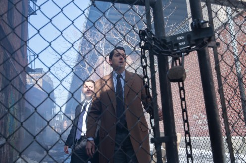 """GOTHAM: Gordon (Ben McKenzie, L) and Dent (guest star Nicholas D'Agosto, R) find themselves in a difficult situation in the """"Everyone Has A Cobblepot"""" episode of GOTHAM airing Monday, March 2 (8:00-9:00 PM ET/PT) on FOX. ©2015 Fox Broadcasting Co. Cr: Jessica Miglio/FOX"""