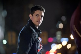 """The Flash -- """"Rogue Air"""" -- Image FLA122B_0379b -- Pictured: Robbie Amell as Ronnie / Firestorm -- Photo: Diyah Pera/The CW -- © 2015 The CW Network, LLC. All rights reserved."""