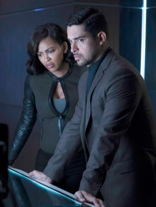 MINORITY REPORT: L-R: Wilmer Walderrama as Will Blake and Stark Sands as Dash in MINORITY REPORT airing Monday, Sep. 21 (9:00-10:00 PM ET/PT) on FOX. CR: Bruce MacCauley / FOX. © 2015 FOX Broadcasting.