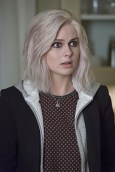 """iZombie -- """"Real Dead Housewife of Seattle"""" -- Image Number: ZMB_203a_4050.jpg -- Pictured: Rose McIver as Olivia """"Liv"""" Moore -- Photo: Jack Rowand /The CW -- © 2015 The CW Network, LLC."""