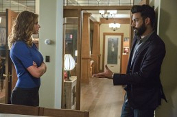 """iZombie -- """"Real Dead Housewife of Seattle"""" -- Image Number: ZMB_203a_3864.jpg -- Pictured (L-R): Aly Michalka as Peyton Charles and Rahul Kohli as Dr. Ravi Chakrabarti -- Photo: Jack Rowand /The CW -- © 2015 The CW Network, LLC."""