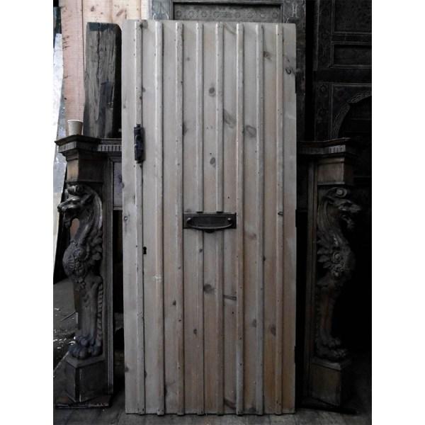 pine-ledge-brace-door