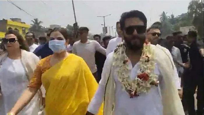 West Bengal Assembly Election 2021 : উঠল 'গো-ব্যাক' স্লোগান,ব্যারাকপুরে তুমুল বিক্ষোভের মুখে Raj Chakraborty - West Bengal News 24