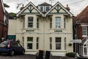 Holiday Accommodation in Westbourne. Mount Lodge, Beaulieu Road
